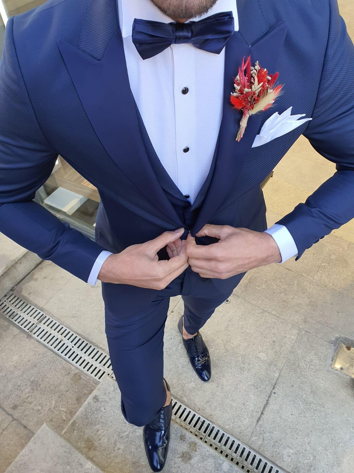 Olgop Navy Blue Slim Fit Peak Lapel Tuxedo