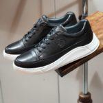 Varus Black Mid-Top Sneakers