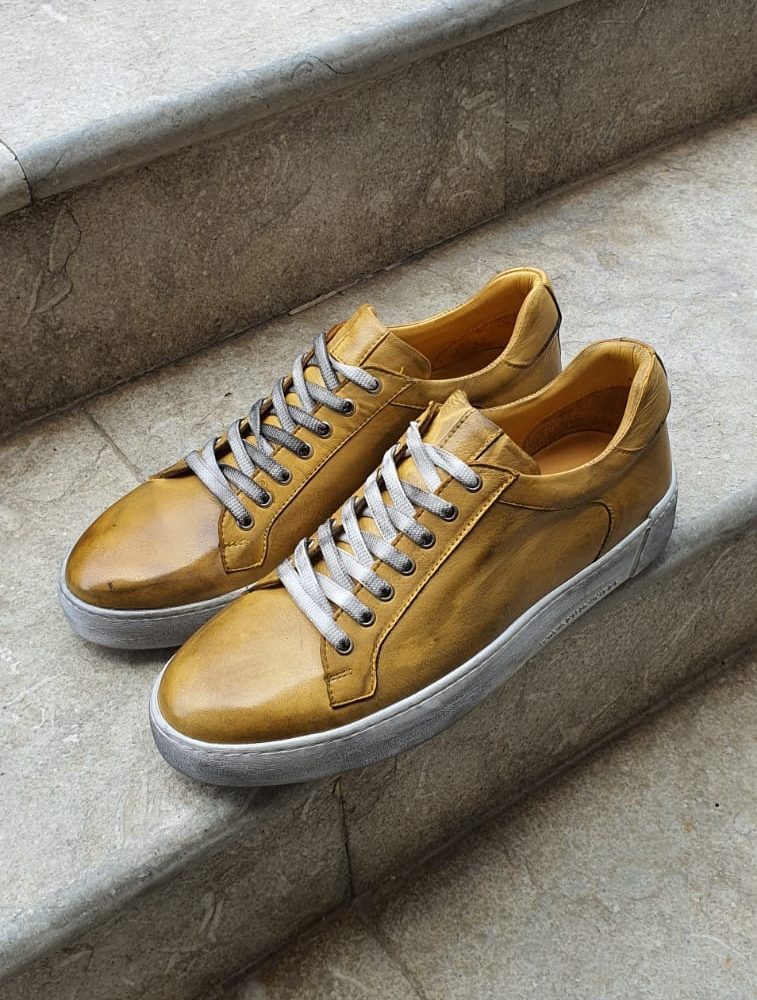 Aysoti Yellow Mid-Top Sneakers