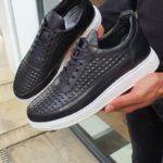Varus Aysoti Black Mid-Top Sneakers
