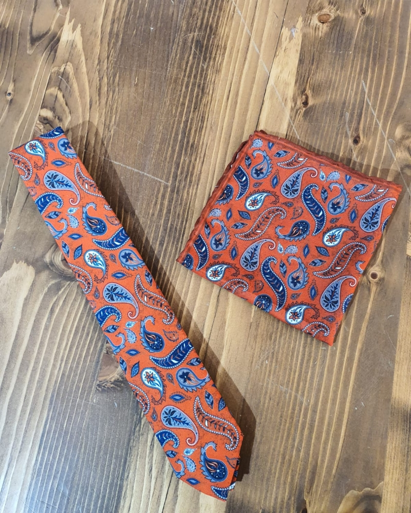 Aysoti Orange Paisley Necktie