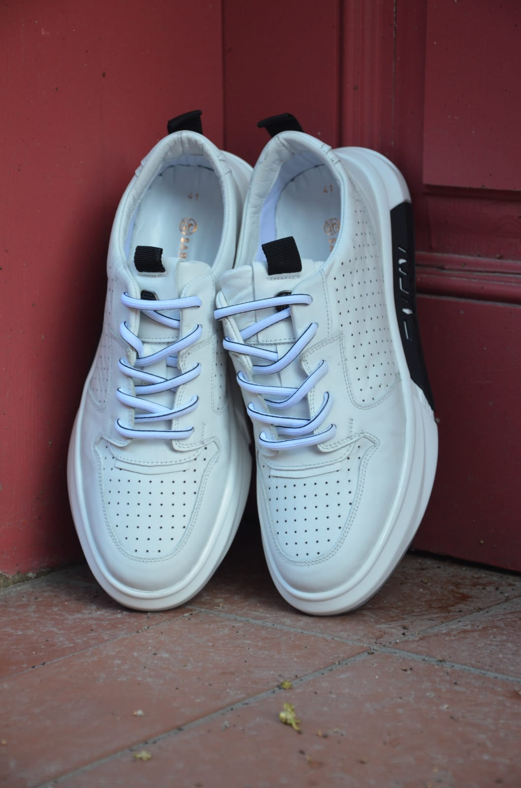 Aysoti Durham White Mid-Top Sneakers