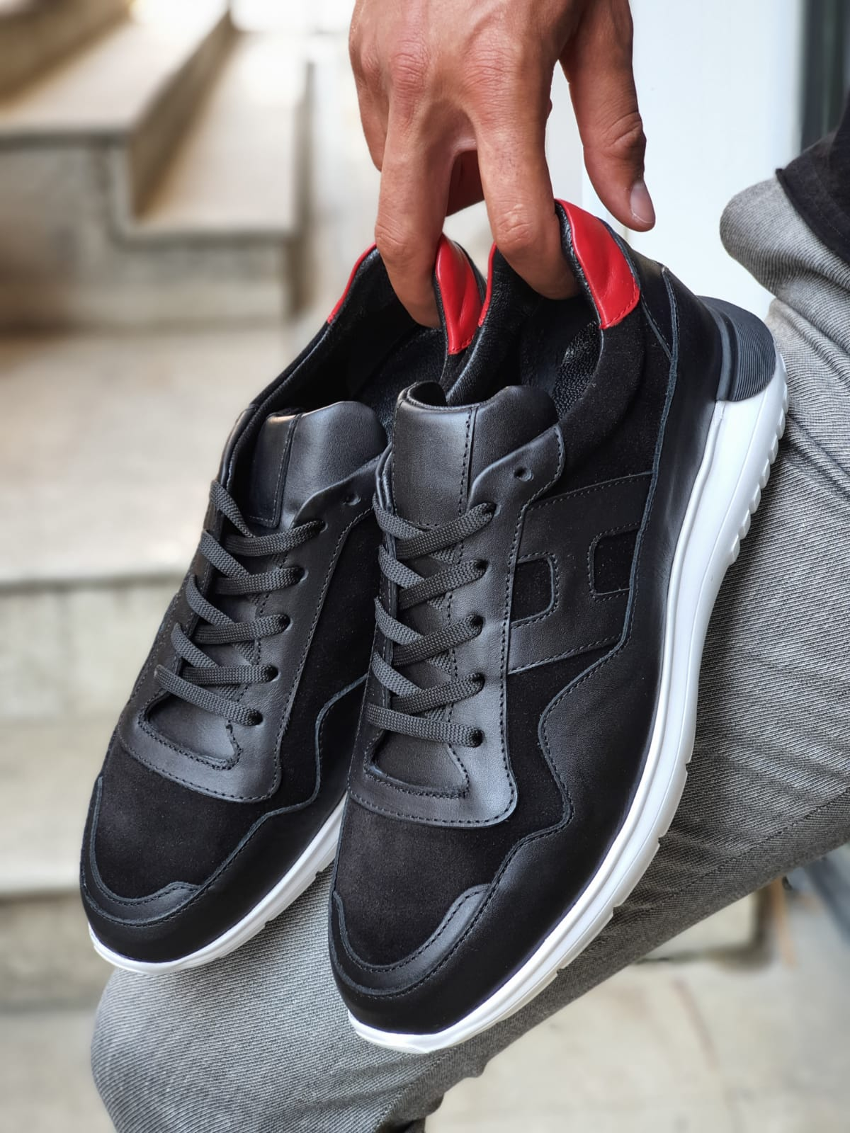Aysoti lack Mid-Top Sneakers