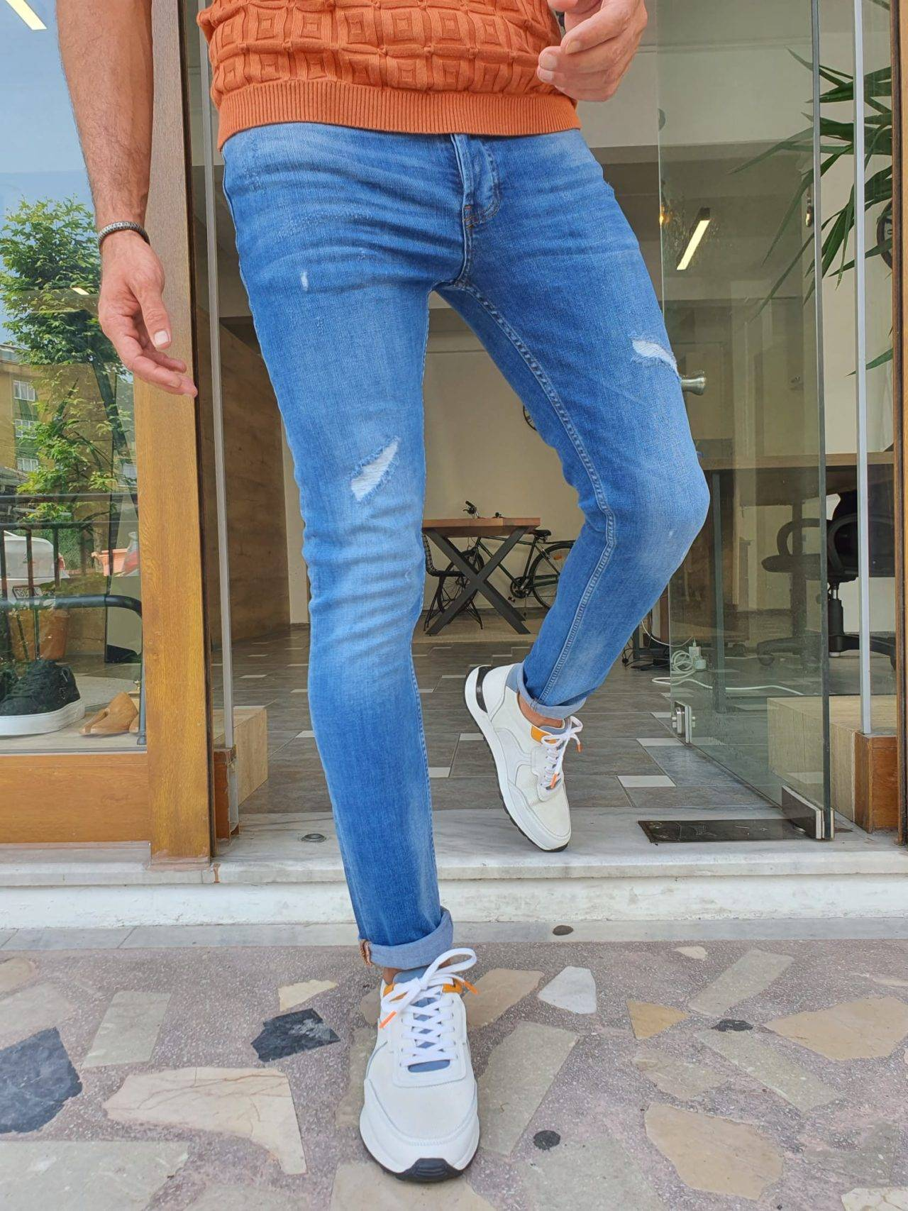 Slim Fit Ripped Jeans